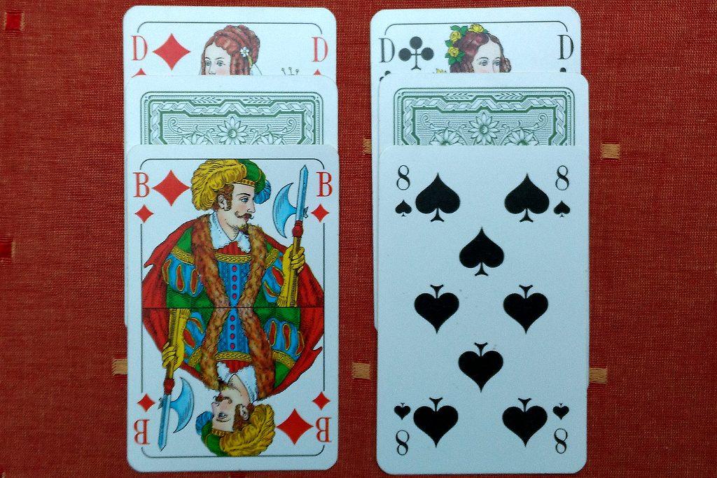 Bild 4: das Duell mit verdeckten Karten bei einem Patt
