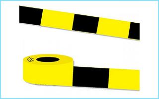 Gelbschwarzes Absperrband aus Folie zur Markierung